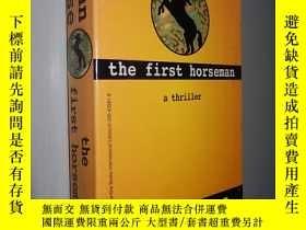 二手書博民逛書店The罕見First Horseman by John Case