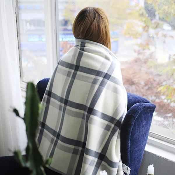 懶人斗篷小毛毯被子加厚冬季辦公室午睡空調毯子披肩懶人蓋毯蓋腿女法蘭絨 小山好物