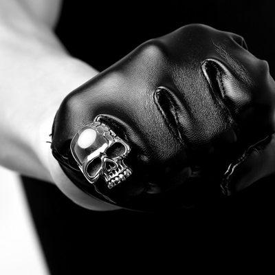 鈦鋼戒指 骷髏頭-暗黑龐克酷炫經典生日七夕情人節禮物男飾品73le83【時尚巴黎】