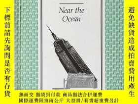 二手書博民逛書店near罕見the oceanY220370 Robert lo