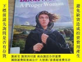 二手書博民逛書店外文書《A罕見PROPER WOMAN》Y163703