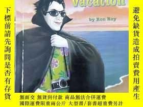 二手書博民逛書店The罕見Vampire s Vacation (A to Z