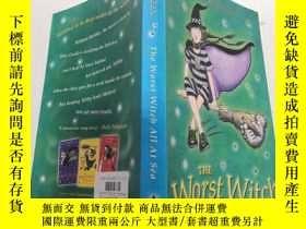 二手書博民逛書店The罕見Worst Witch All At Sea:非常壞的女巫在大海.Y212829