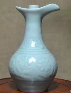 [協貿國際]  青瓷酒瓶收藏品 (1入)