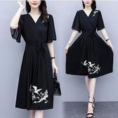 洋裝V領裙子中大尺碼L-5XL夏裝古風繡花夏季氣質短袖連身裙R025B-7112.胖胖美依