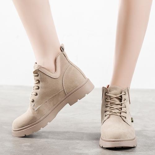 【現貨快速出貨】靴子.英倫風率性側V口絨面繫帶小短靴.白鳥麗子