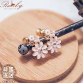 耳環 韓國直送珍珠水鑽花朵夾式耳環-Ruby s露比午茶