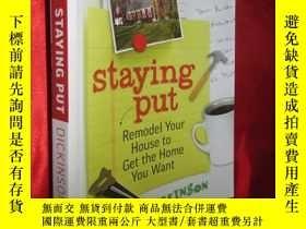 二手書博民逛書店Staying罕見Put: Remodel Your House