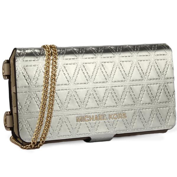 MICHAEL KORS 幾何壓紋金屬質感皮革斜背鏈帶翻蓋式手機套(白金色)618106