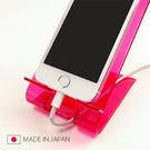 日本製 手機桌上收納架 手機立架 支架 充電 壓克力 智慧型手機 iphone 5  《SV3165》快樂生活網
