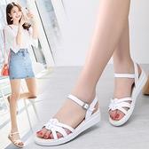 涼鞋女2021夏季新款時尚百搭平跟軟底舒適學生仙女風一字帶平底鞋 阿卡娜