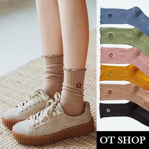 OT SHOP[現貨]襪子 中筒襪 精梳棉 素色坑條紋 捲邊襪口 小花刺繡 配件 黑/藍/卡其/薑黃/綠/粉 M1084