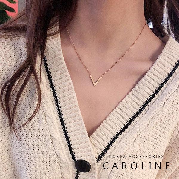 《Caroline》韓國時尚風格玫瑰金V字母項鍊網紅ins簡約氣質鈦剛項鍊72611