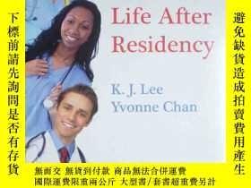 二手書博民逛書店essential罕見paths to life after residency(英文原版書) 塑封Y7293