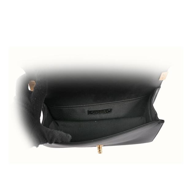 【CHANEL】Chevron 金釦小牛皮Boy Chanel(黑色) CH1A000076 A67086