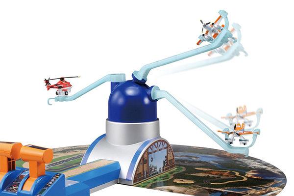 TOMICA 飛機總動員-飛行場景組 (隨機送2隻飛機)