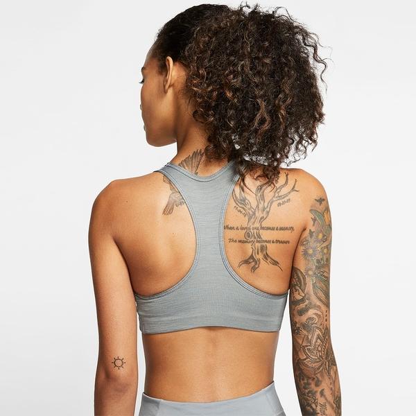 【現貨】NIKE Dri-FIT Swoosh 女裝 運動內衣 慢跑 訓練 排汗 可拆襯墊 中度支撐 灰【運動世界】BV3644-084