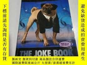 二手書博民逛書店THE罕見JOKE BOOK:笑話書(外文)Y212829