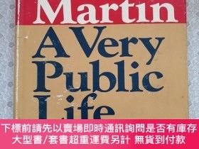二手書博民逛書店A罕見Very Public Life Volume I Far From Home Paul Martin 英語