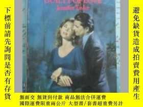 二手書博民逛書店Guilty罕見of love 英文原版口袋書Y109818 J