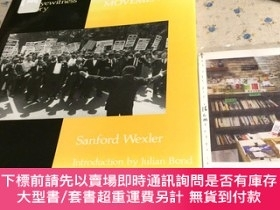 二手書博民逛書店英文原版罕見the civil rights movement : an eyewitness history