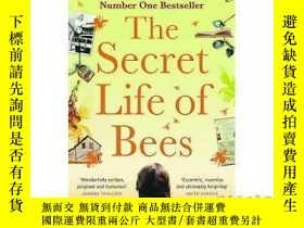 二手書博民逛書店Secret罕見Life of Bees: The stunning multi-mi...-蜜蜂的秘密生活:驚人