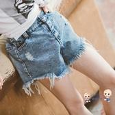 女童短褲 牛仔短褲夏季2020洋氣韓版薄款破洞時髦兒童短褲外穿中大童潮 2色