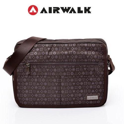 AIRWALK -【禾雅】街頭系列 - 邁阿密圖騰系列滿版側背包-大 - 沉穩咖