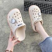 涼鞋2021年新款超火ins潮女士夏季仙女風外穿運動百搭平底洞洞鞋 夢幻小鎮