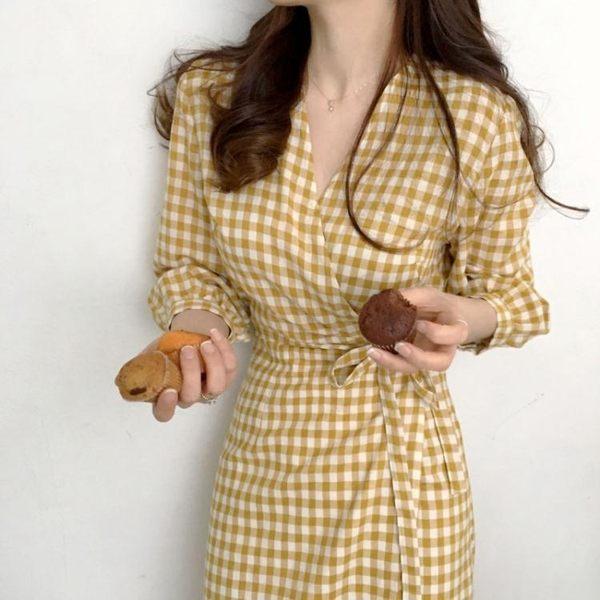復古文藝范初夏格子控一片式系帶七分袖V領連衣裙洋裝