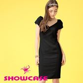 【SHOWCASE】V領滑緞拼接合身曲線洋裝(黑)