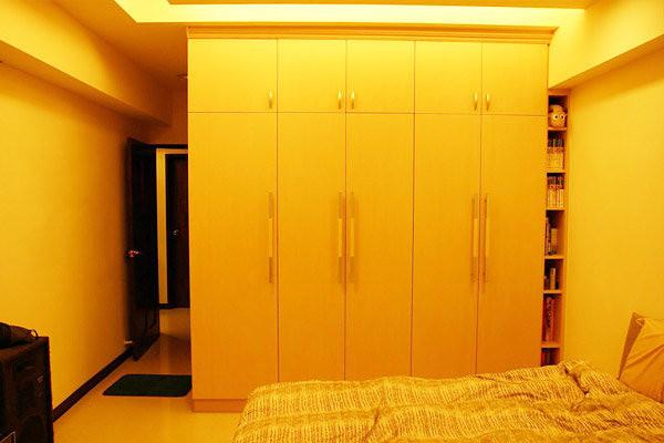 【系統家具】家具設計~開門衣櫃 床頭櫃