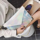 手拿包女正韓宴會信封手腕包亮面翻蓋鐳射關曉彤同款包包  『魔法鞋櫃』