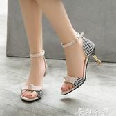 韓版時尚蝴蝶結一字扣涼鞋女夏季新款學生百搭露趾細跟高跟鞋夢幻衣都