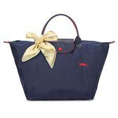 Longchamp 1623 LE PLIAGE 奔馬刺繡短提把中型尼龍摺疊水餃包(海軍藍-含帕巾)480207-556