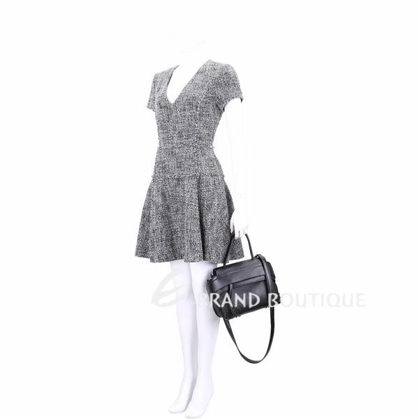 TOD'S Wave 迷你款 豆豆裝飾牛皮手提肩背包(黑色) 1910121-01