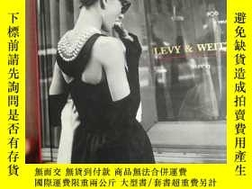 二手書博民逛書店RETAIIING罕見MANAGEMENT LEVY WEITZ