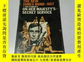 二手書博民逛書店ON罕見HER MAJESTY S SECRET SERVICE