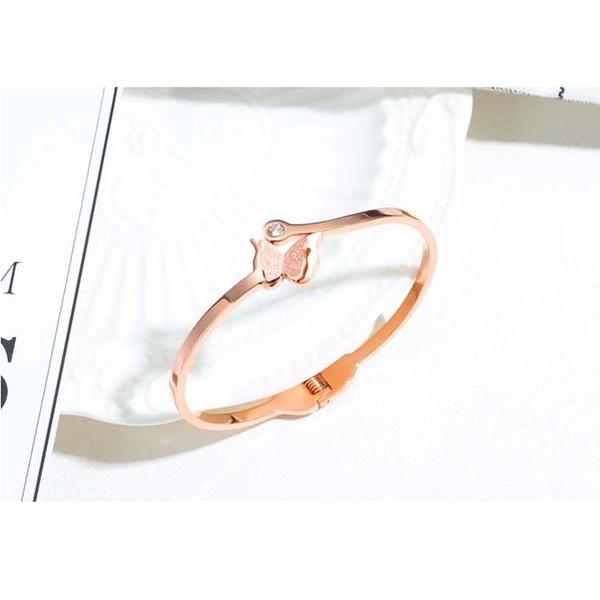 【5折超值價】時尚精美雙層磨砂蝴蝶鑲鑽造型女款鈦鋼手環