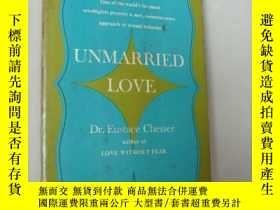 二手書博民逛書店UNMARRIED罕見LOVE 婚姻之外的愛愛 書口三面刷紅Y1