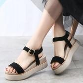 楔型鞋 2020夏季厚底涼鞋女鬆糕鞋一字式扣帶真皮坡跟羅馬沙灘涼鞋仙女風 韓國時尚週