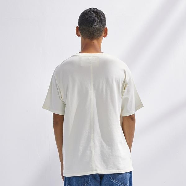 Levis Red 工裝手稿風復刻再造 男款 短袖T恤 / 寬鬆休閒版型 / 精工刺繡Logo / 豆腐白