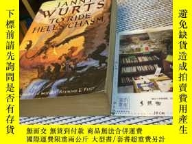 二手書博民逛書店英文原版罕見to ride hell s chasmY18182