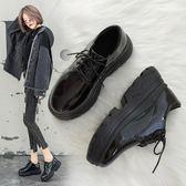 大尺碼鬆糕鞋 黑色小皮鞋女2018秋季新款英倫風原宿松糕單鞋 nm15644【甜心小妮童裝】