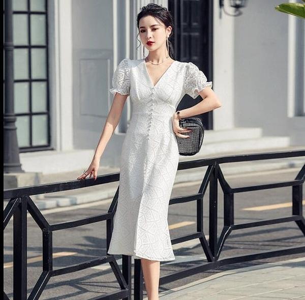 辣妹洋裝連身裙~V領洋裝~法式白色蕾絲收腰顯瘦氣質中長裙性感開叉魚尾連身裙9288.T350C日韓屋