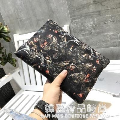 男士手包潮男手拿包韓版時尚大容量信封包圖案布手抓包個性男包