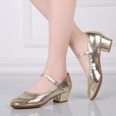 舞蹈鞋女 四季紅交誼廣場舞跳舞鞋 軟底中跟成人新款夏季廣場舞鞋