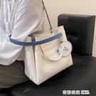 托特包 大容量包包新款包包女夏季百搭單肩包斜挎包手提托特包水桶包 奇妙商鋪
