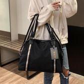 大容量包包女2019新款時尚輕便手提包側背斜挎包男短途旅行健身包  魔法鞋櫃