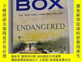 二手書博民逛書店Endangered罕見(A Joe Pickett Novel) 瀕危(喬·皮克特小說) 庫存英文小說Y25